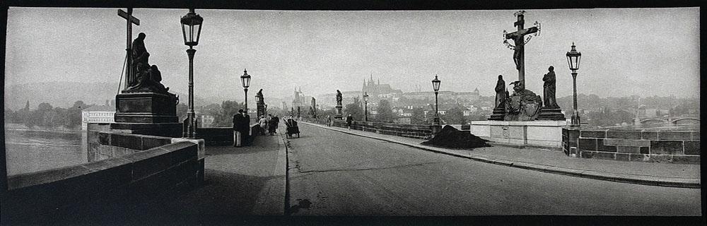 ©Josef Sudek Le pont Charles Prague 1960