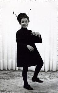 Biographie de Colette Gourvitch - Le passage chez le photographe de quartier en habit de fourmi avant la fête à l'école