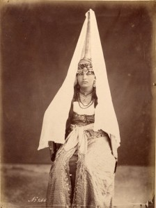 Bonfils, un photographe en Orient -Femme druse de la montagne de shouf - Liban