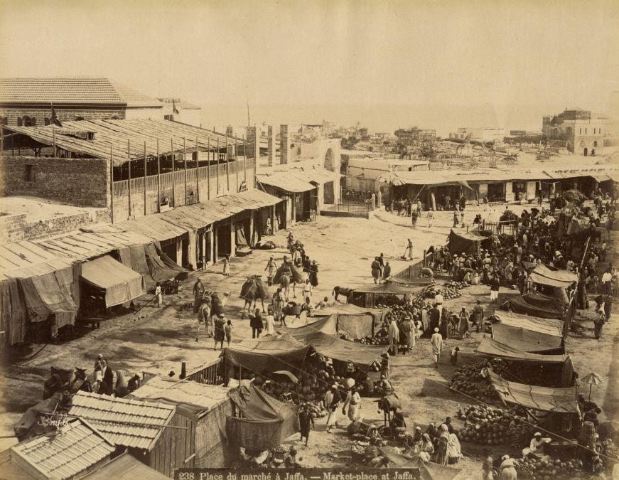 Bonfils, un photographe en Orient - Place du marché à Jaffa