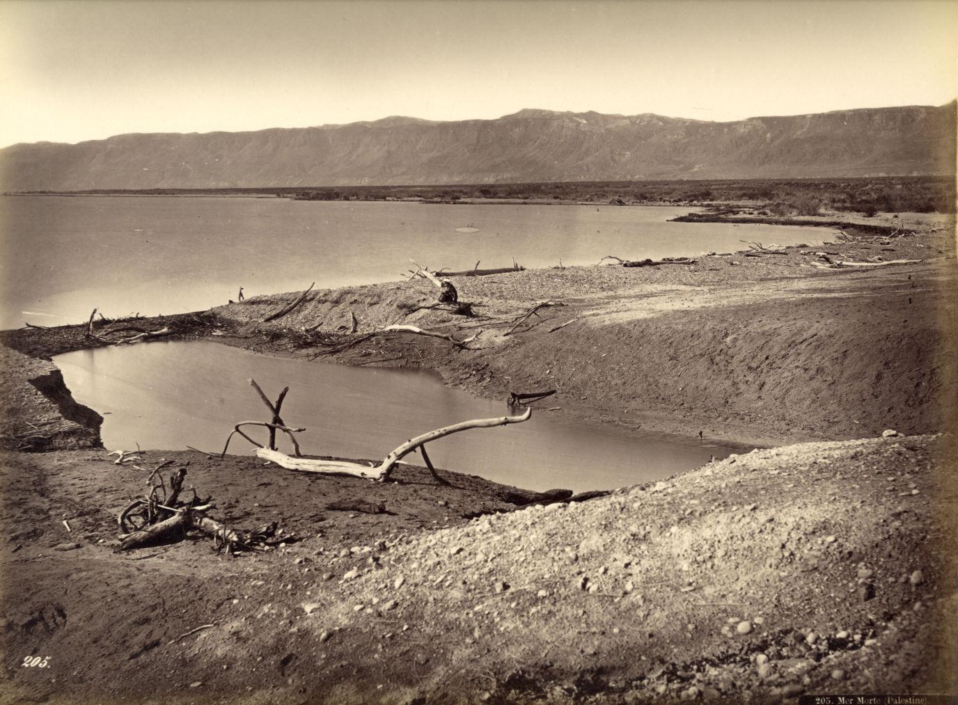 Bonfils, un photographe en Orient -Vue de la Mer Morte Palestine vers 1880